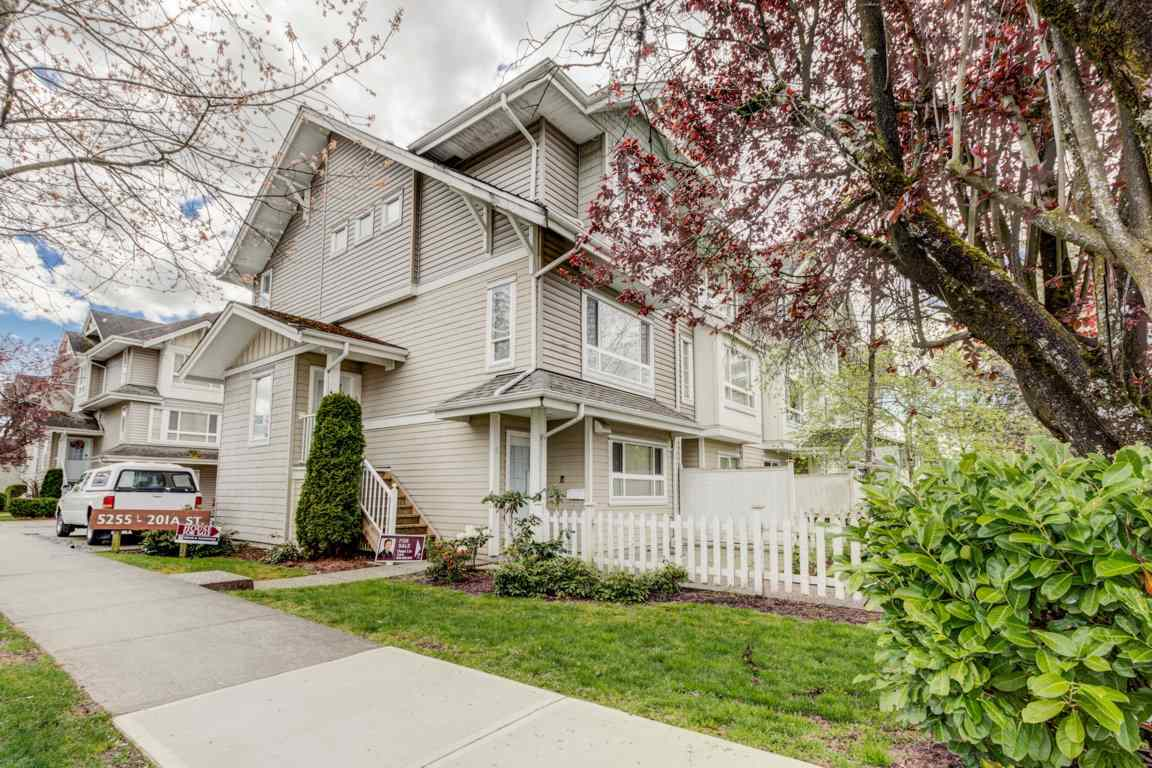 Main Photo: 6 5255 201A Street in Langley: Langley City Townhouse for sale : MLS® # R2160090