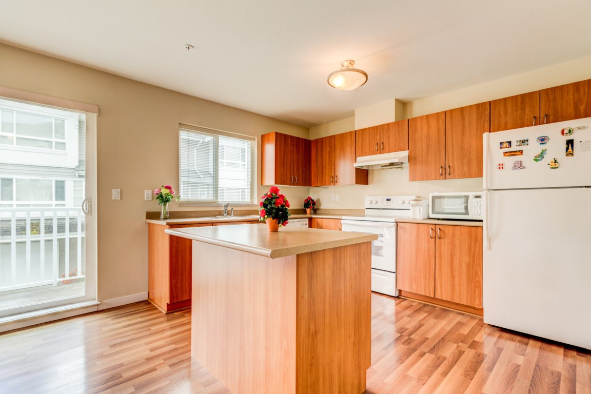 Photo 9: 6 5255 201A Street in Langley: Langley City Townhouse for sale : MLS® # R2160090