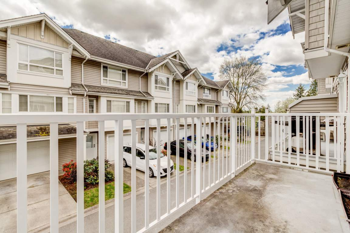 Photo 3: 6 5255 201A Street in Langley: Langley City Townhouse for sale : MLS® # R2160090
