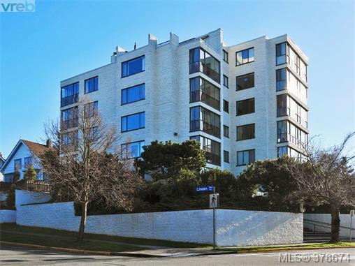 Main Photo: 201 1204 Fairfield Road in VICTORIA: Vi Fairfield West Condo Apartment for sale (Victoria)  : MLS®# 378674