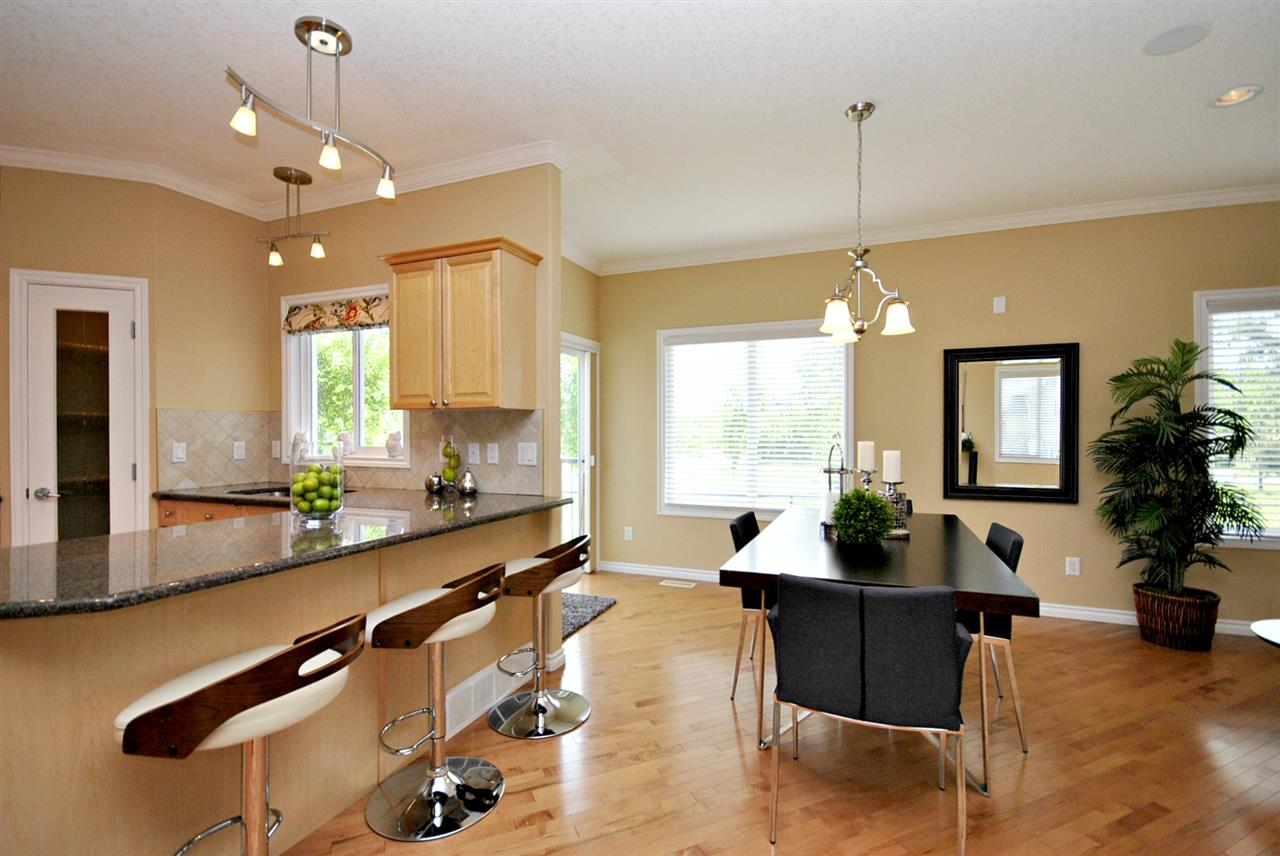 Photo 8: 3 17715 96 Avenue in Edmonton: Zone 20 House Half Duplex for sale : MLS(r) # E4067369
