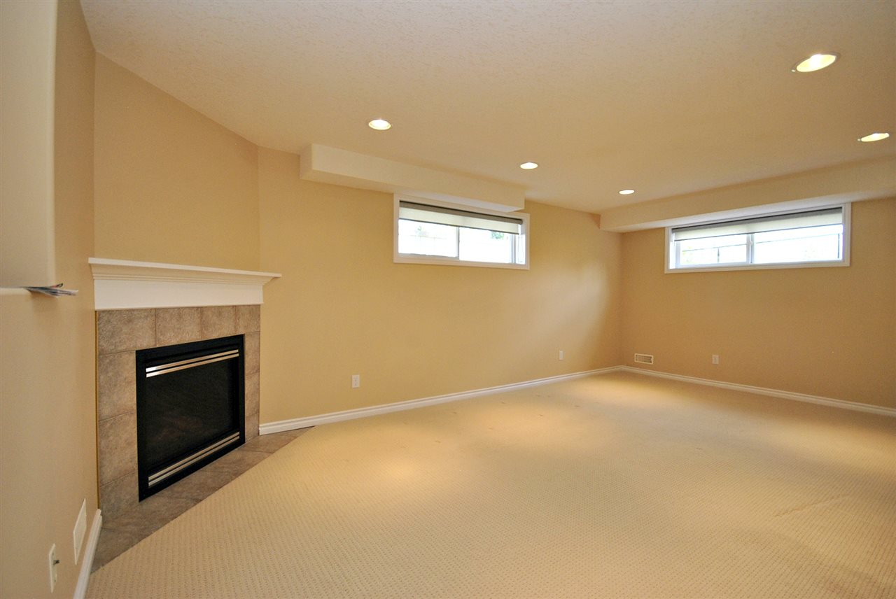 Photo 25: 3 17715 96 Avenue in Edmonton: Zone 20 House Half Duplex for sale : MLS(r) # E4067369