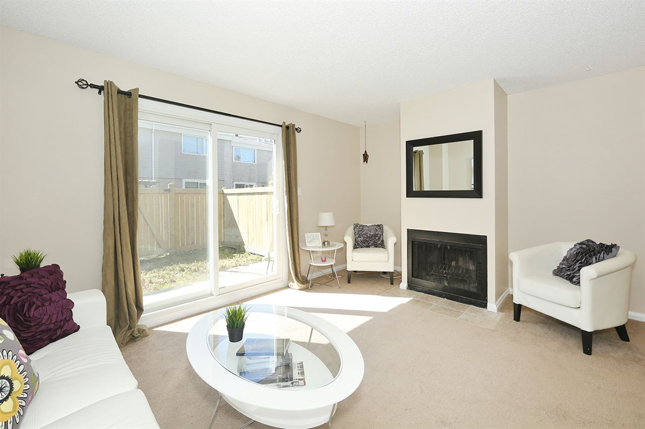 Photo 5: 14819A RIVERBEND Road in Edmonton: Zone 14 Townhouse for sale : MLS(r) # E4070317