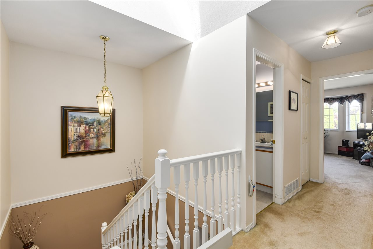 "Photo 13: 6141 W BOUNDARY Drive in Surrey: Panorama Ridge Townhouse for sale in ""LAKEWOOD GARDENS IN BOUNDARY PARK"" : MLS® # R2191951"