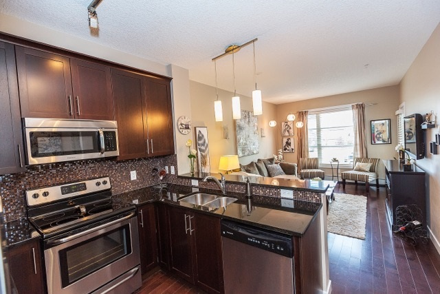 Main Photo: 204 2584 ANDERSON Way in Edmonton: Zone 56 Condo for sale : MLS® # E4077048