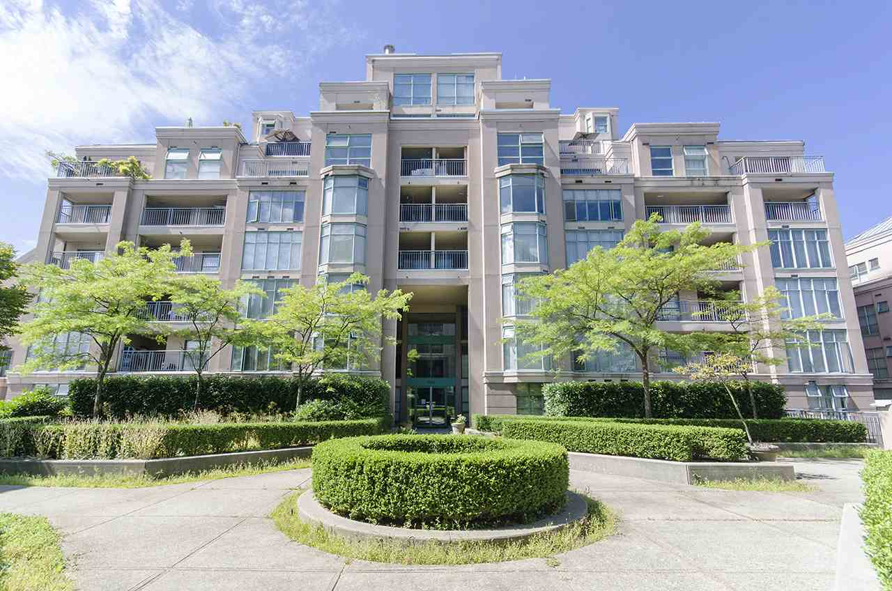 "Main Photo: 601 2468 E BROADWAY in Vancouver: Renfrew VE Condo for sale in ""GARDENIA VILLAGE"" (Vancouver East)  : MLS® # R2197117"