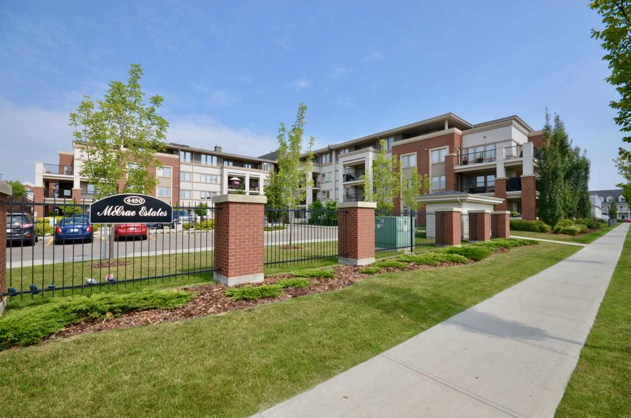 Main Photo: 403 4450 McCrae Avenue in Edmonton: Zone 27 Condo for sale : MLS® # E4078172