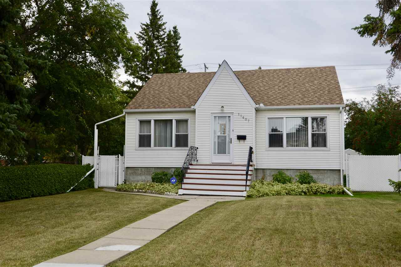 Photo 1: 11607 111 Avenue in Edmonton: Zone 08 House for sale : MLS® # E4081750