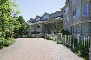 "Main Photo: 109 1283 PARKGATE Avenue in North Vancouver: Northlands Condo for sale in ""PARKGATE PLACE"" : MLS®# R2271628"