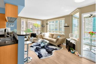 "Main Photo: 506 822 HOMER Street in Vancouver: Downtown VW Condo for sale in ""GALILEO ON ROBSON"" (Vancouver West)  : MLS®# R2298676"