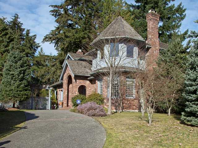 Main Photo: 3025 GRIFFIN Place in North Vancouver: Capilano Highlands House for sale : MLS® # V877078