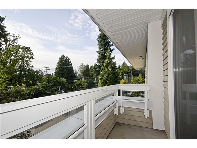 "Photo 9: 218 3188 W 41ST Avenue in Vancouver: Kerrisdale Condo for sale in ""Lanesborough"" (Vancouver West)  : MLS(r) # V906139"
