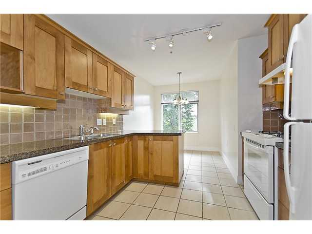 "Photo 5: 218 3188 W 41ST Avenue in Vancouver: Kerrisdale Condo for sale in ""Lanesborough"" (Vancouver West)  : MLS(r) # V906139"