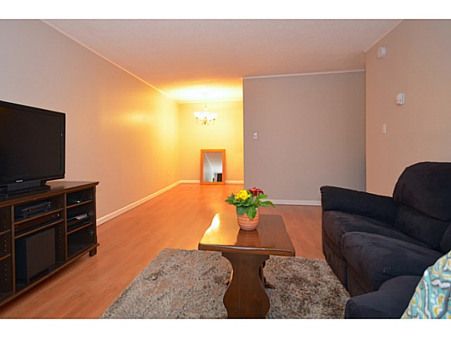 "Photo 4: 114 2033 TRIUMPH Street in Vancouver: Hastings Condo for sale in ""MCKENZIE HOUSE"" (Vancouver East)  : MLS® # V1049708"
