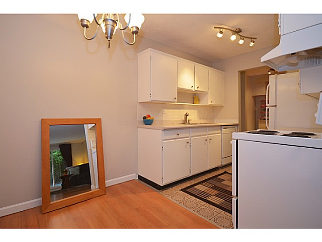 "Photo 5: 114 2033 TRIUMPH Street in Vancouver: Hastings Condo for sale in ""MCKENZIE HOUSE"" (Vancouver East)  : MLS® # V1049708"