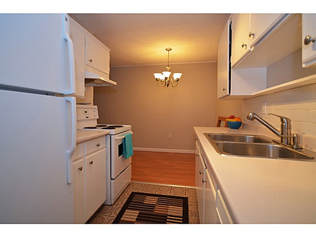 "Photo 6: 114 2033 TRIUMPH Street in Vancouver: Hastings Condo for sale in ""MCKENZIE HOUSE"" (Vancouver East)  : MLS® # V1049708"