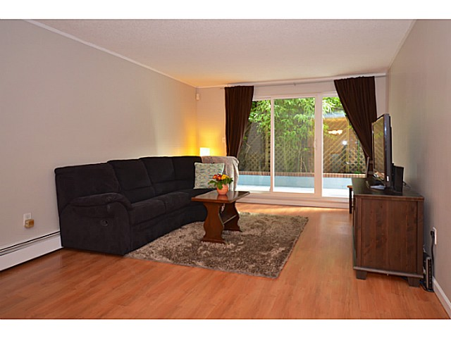 "Photo 2: 114 2033 TRIUMPH Street in Vancouver: Hastings Condo for sale in ""MCKENZIE HOUSE"" (Vancouver East)  : MLS® # V1049708"