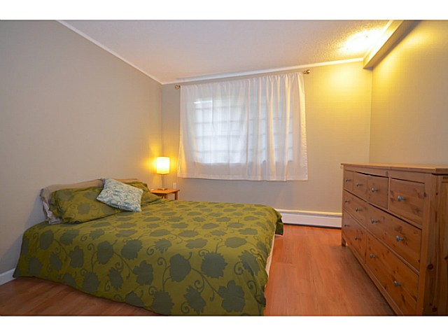"Photo 7: 114 2033 TRIUMPH Street in Vancouver: Hastings Condo for sale in ""MCKENZIE HOUSE"" (Vancouver East)  : MLS® # V1049708"