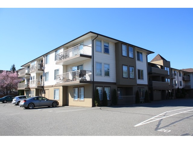"Main Photo: 109 45702 WATSON Road in Sardis: Vedder S Watson-Promontory Condo for sale in ""GLENDALE MANOR"" : MLS® # H1401290"