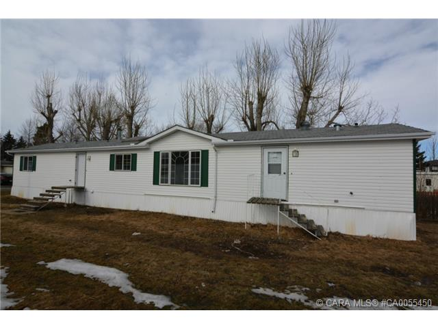 Main Photo: 8 4402 48 Avenue in Sylvan Lake: SL Palo Residential Mobile for sale : MLS® # CA0055450