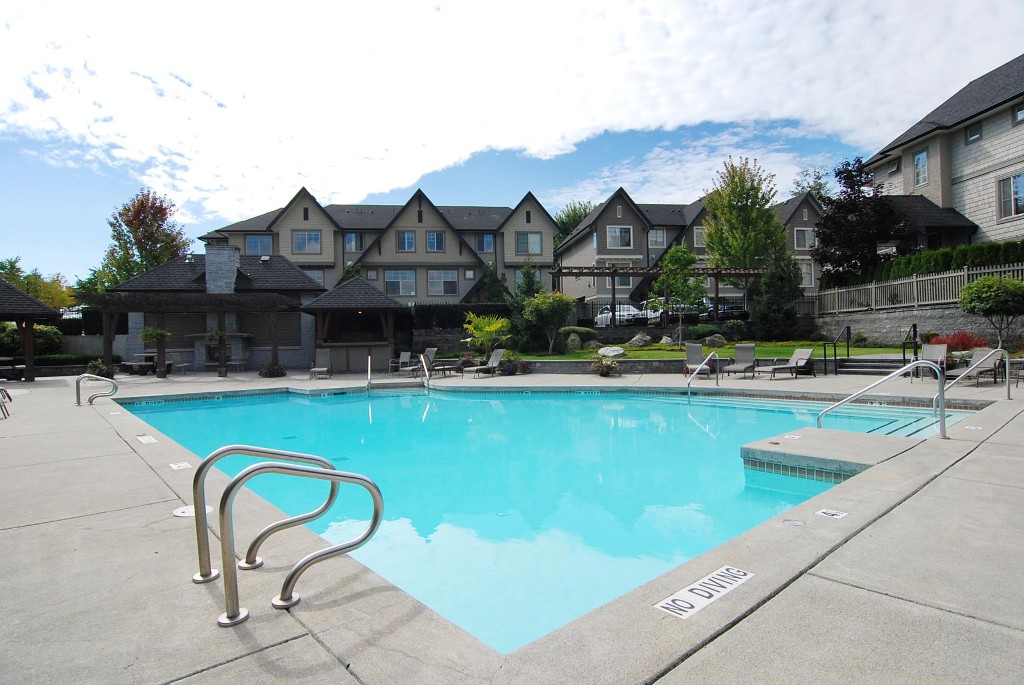 "Main Photo: 4 15155 62A Avenue in Surrey: Sullivan Station Townhouse for sale in ""Oaklands"" : MLS® # F1441063"