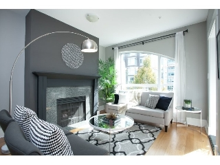 "Main Photo: PH17 511 W 7TH Avenue in Vancouver: Fairview VW Condo for sale in ""BEVERLY GARDENS"" (Vancouver West)  : MLS® # R2001125"