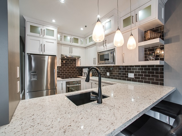 "Main Photo: 303 1924 COMOX Street in Vancouver: West End VW Condo for sale in ""The Windgate"" (Vancouver West)  : MLS® # R2049844"