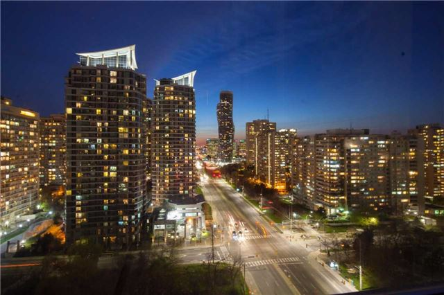 Main Photo: 1909 3504 Hurontario Street in Mississauga: Fairview Condo for sale : MLS(r) # W3492234