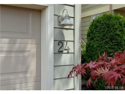 Photo 20: 24 127 Aldersmith Place in VICTORIA: VR Glentana Townhouse for sale (View Royal)  : MLS(r) # 368134