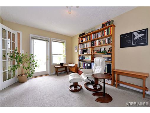 Photo 12: 24 127 Aldersmith Place in VICTORIA: VR Glentana Townhouse for sale (View Royal)  : MLS(r) # 368134