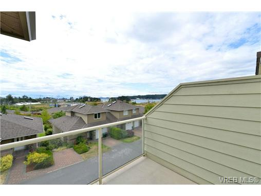 Photo 19: 24 127 Aldersmith Place in VICTORIA: VR Glentana Townhouse for sale (View Royal)  : MLS(r) # 368134