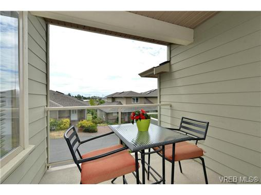 Photo 15: 24 127 Aldersmith Place in VICTORIA: VR Glentana Townhouse for sale (View Royal)  : MLS(r) # 368134