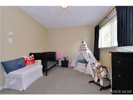Photo 13: 24 127 Aldersmith Place in VICTORIA: VR Glentana Townhouse for sale (View Royal)  : MLS(r) # 368134