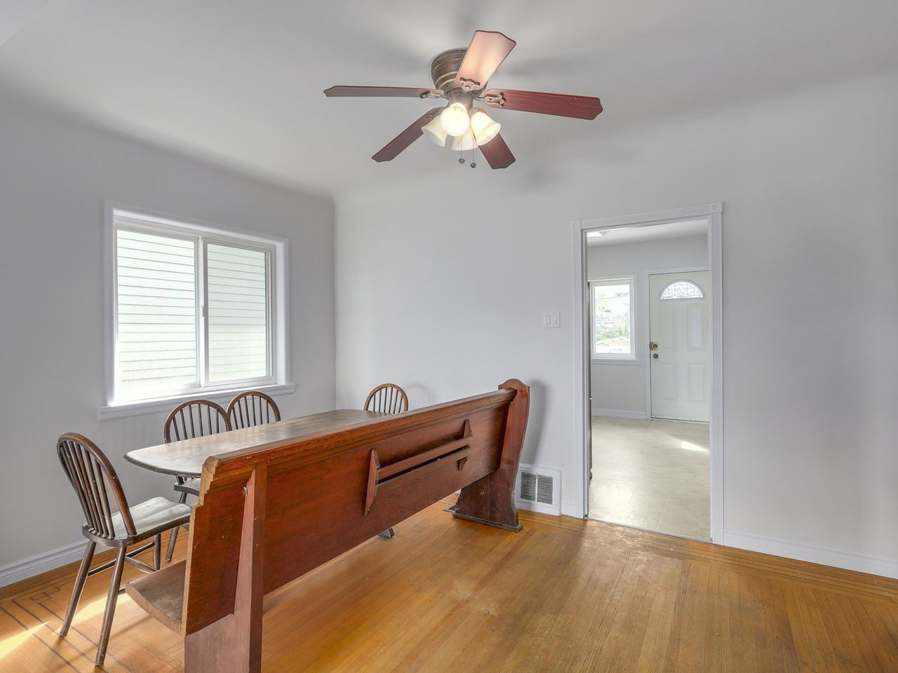 Photo 5: 718 E 12TH Avenue in Vancouver: Mount Pleasant VE House for sale (Vancouver East)  : MLS(r) # R2107688
