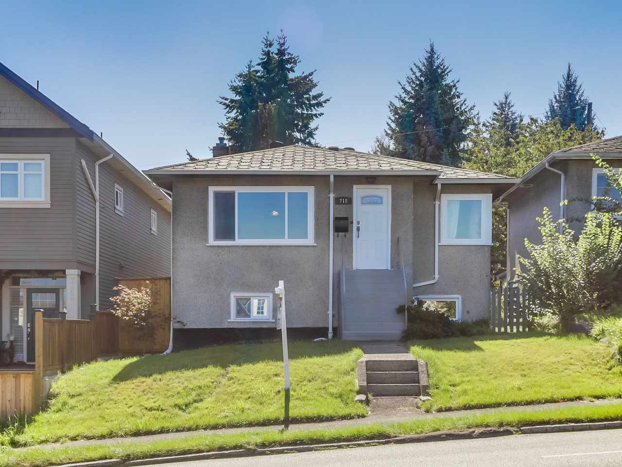 Main Photo: 718 E 12TH Avenue in Vancouver: Mount Pleasant VE House for sale (Vancouver East)  : MLS(r) # R2107688