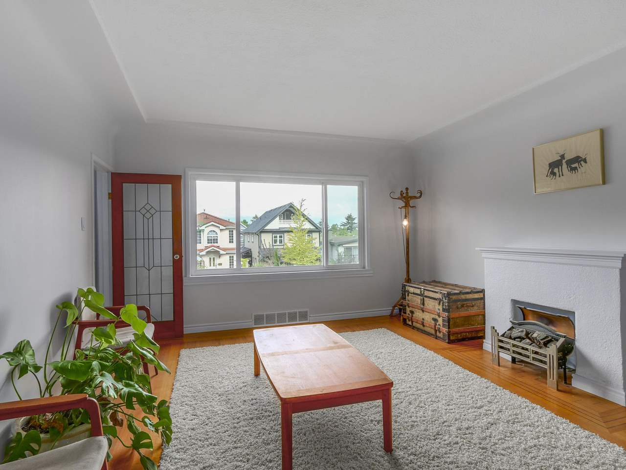 Photo 3: 718 E 12TH Avenue in Vancouver: Mount Pleasant VE House for sale (Vancouver East)  : MLS(r) # R2107688