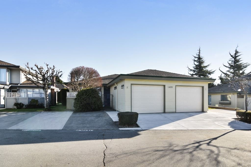 "Main Photo: 2 14231 18A Avenue in Surrey: Sunnyside Park Surrey Townhouse for sale in ""SUNHILL GARDENS"" (South Surrey White Rock)  : MLS®# R2136203"