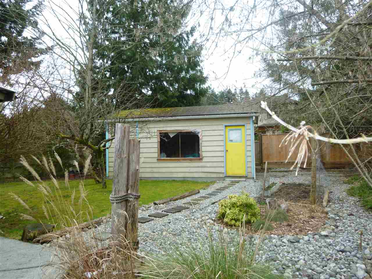"Photo 2: Photos: 5675 SURF Circle in Sechelt: Sechelt District Manufactured Home for sale in ""SECHELT"" (Sunshine Coast)  : MLS® # R2143216"