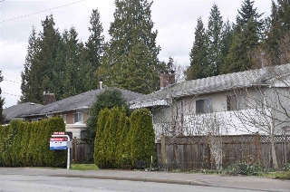 Main Photo: 1531 COMO LAKE Avenue in Coquitlam: Harbour Place House for sale : MLS(r) # R2149114