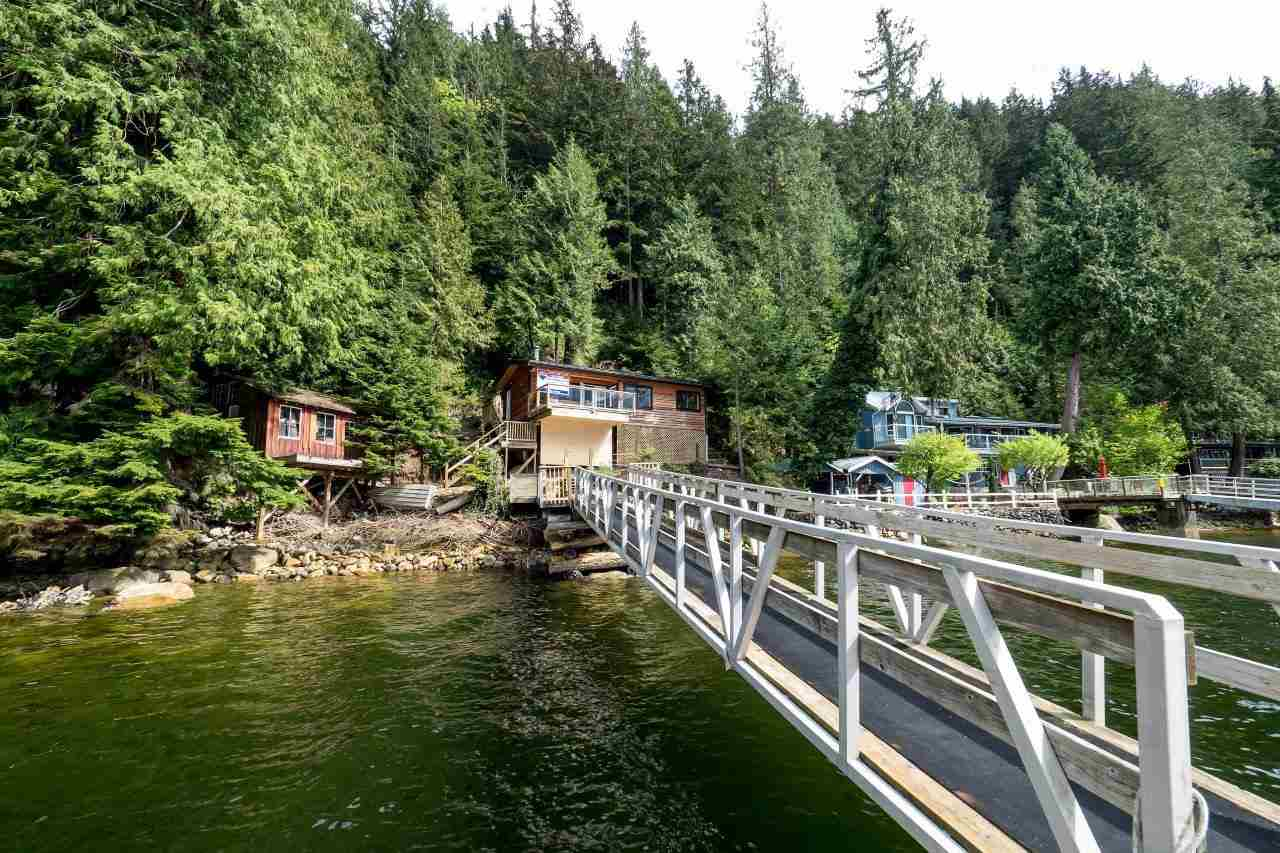 "Photo 17: 29 JOHNSON Bay in North Vancouver: Indian Arm House for sale in ""Johnson Bay"" : MLS(r) # R2160921"