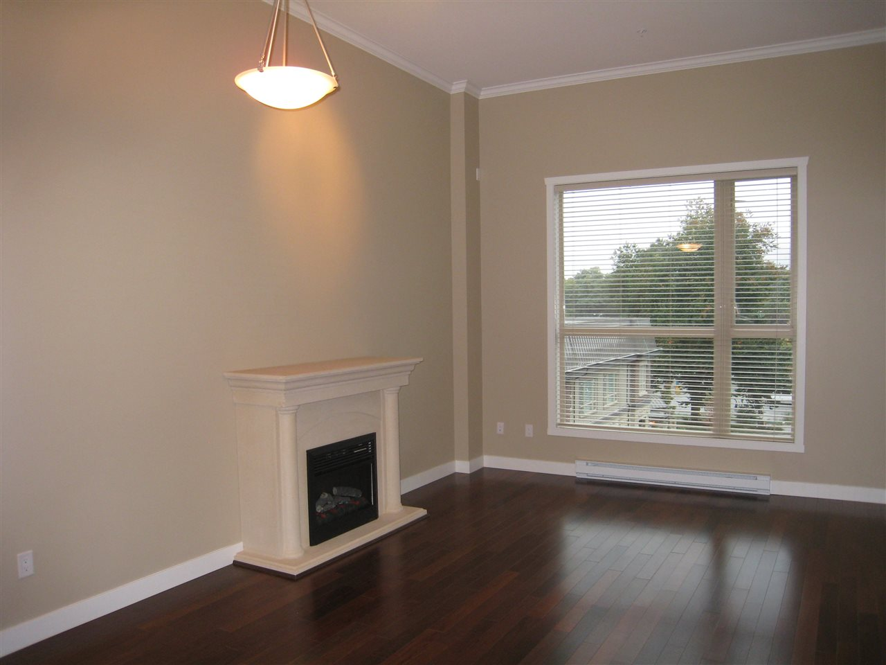 Photo 4: 415 2627 SHAUGHNESSY Street in Port Coquitlam: Central Pt Coquitlam Condo for sale : MLS® # R2164220