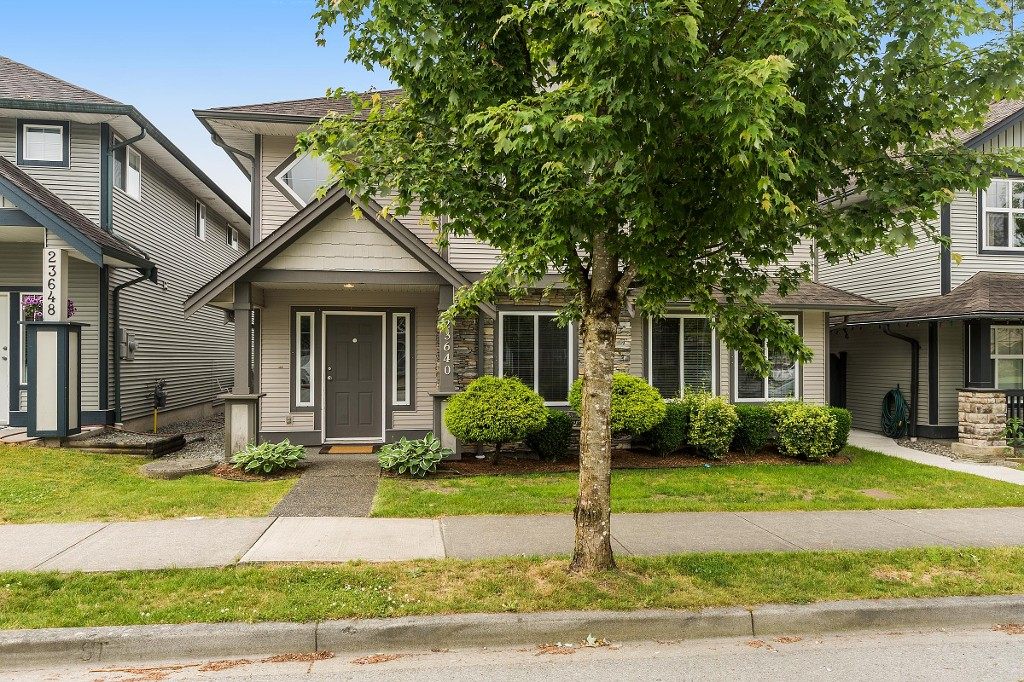 Main Photo: 23640 KANAKA Way in Maple Ridge: Cottonwood MR House for sale : MLS® # R2186110