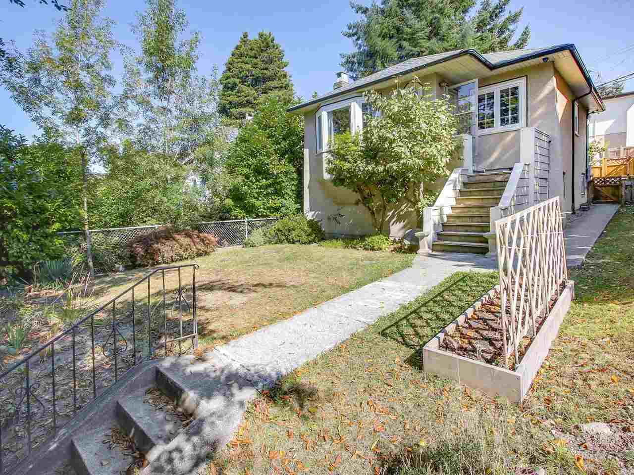 Main Photo: 4384 NANAIMO Street in Vancouver: Collingwood VE House for sale (Vancouver East)  : MLS® # R2202934