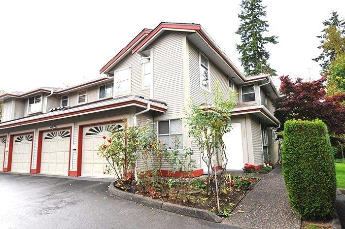 "Main Photo: 13 12071 232B Street in Maple Ridge: East Central Townhouse for sale in ""CREEKSIDE GLEN"" : MLS® # R2238324"