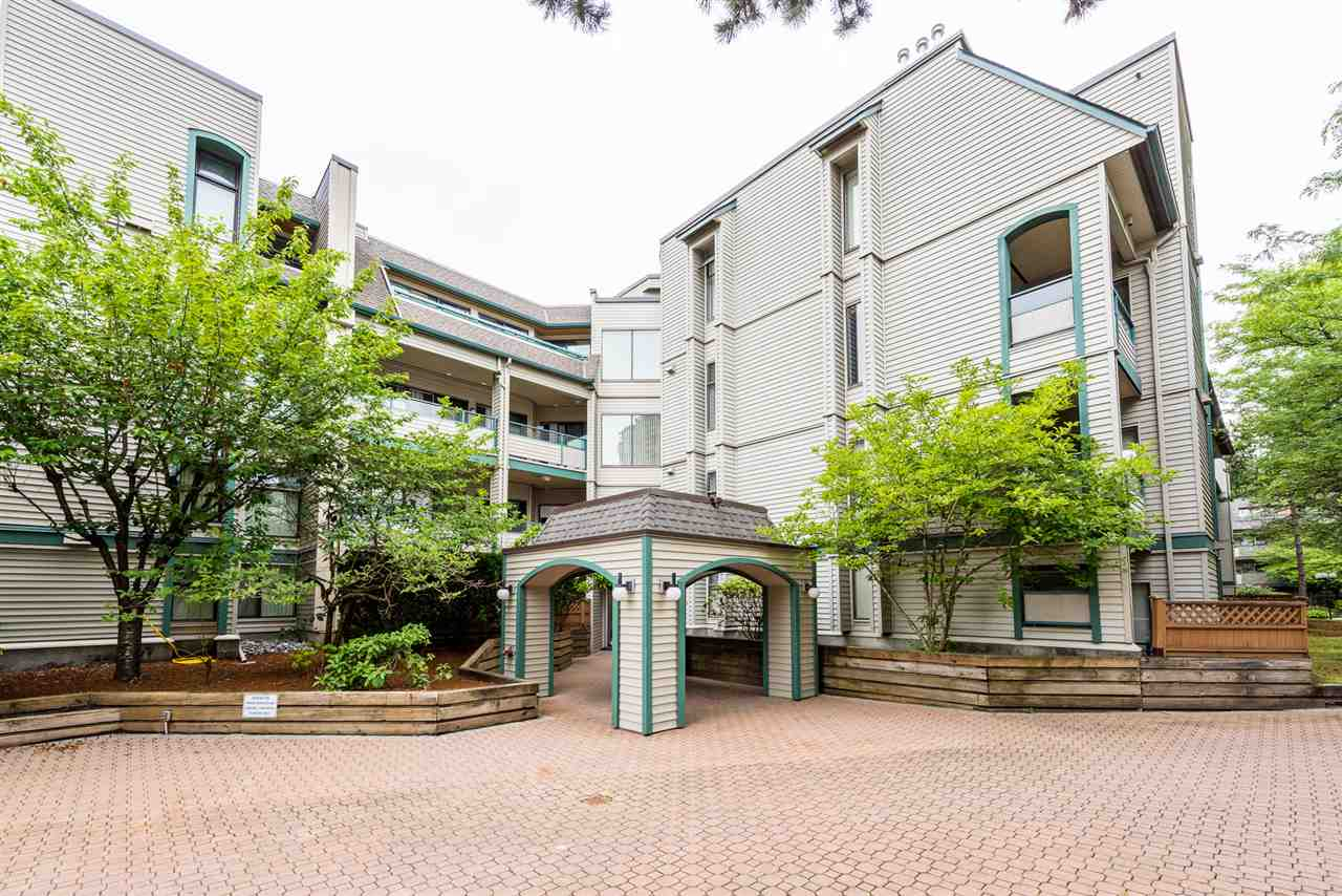 "Main Photo: 418 2915 GLEN Drive in Coquitlam: North Coquitlam Condo for sale in ""Glenborough"" : MLS®# R2289073"