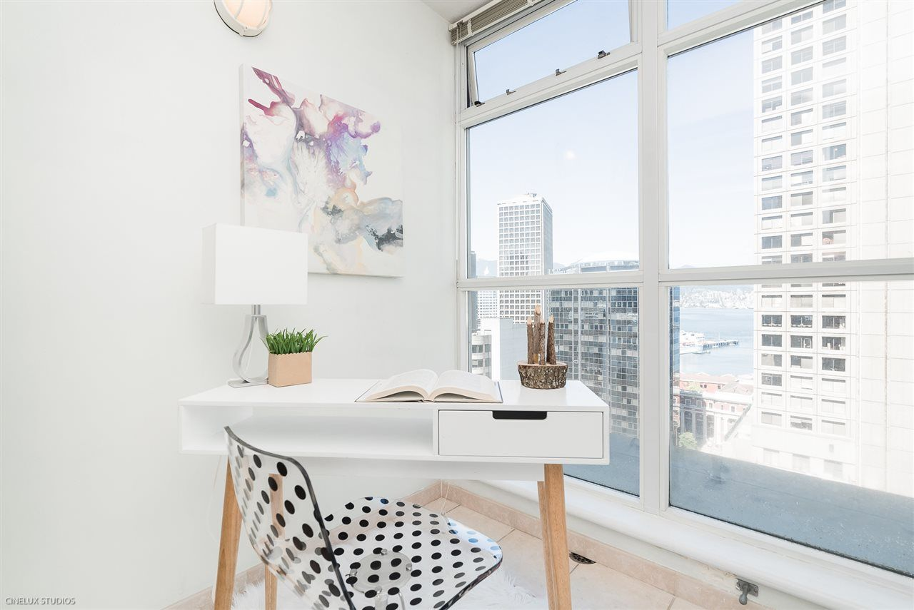 "Main Photo: 1806 438 SEYMOUR Street in Vancouver: Downtown VW Condo for sale in ""THE CONFERENCE PLAZA"" (Vancouver West)  : MLS®# R2289449"