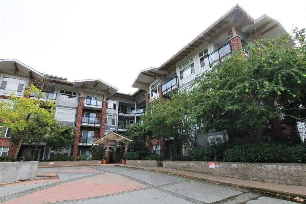 "Main Photo: 205 11950 HARRIS Road in Pitt Meadows: Central Meadows Condo for sale in ""ORIGIN"" : MLS®# R2297772"