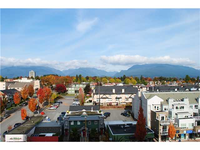 "Main Photo: 804 3920 HASTINGS Street in Burnaby: Willingdon Heights Condo for sale in ""INGELTON PLACE"" (Burnaby North)  : MLS(r) # V918085"