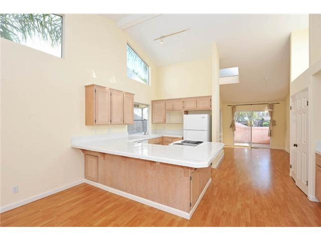 Photo 2: BAY PARK Home for sale or rent : 3 bedrooms : 3646 Princeton in San Diego