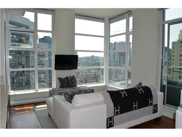 Photo 2: 1206 1205 HOWE Street in Vancouver: Downtown VW Condo for sale (Vancouver West)  : MLS(r) # V957555